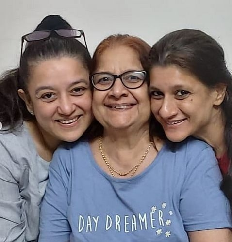 Mukesh Rawal's wife and daughters