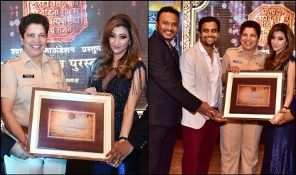 Roshni Kapoor receiving Youth Icon of the Year Award