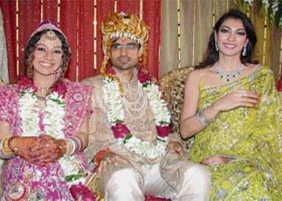 Yukta Mookhey with her brother and his wife