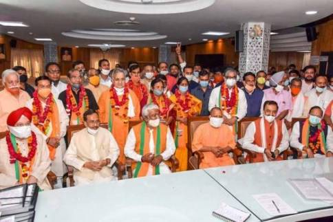 Hardeep Singh Puri (extreme left in the front row) after filing his nomination for the 2020 Rajya Sabha elections
