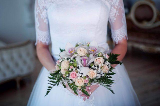 Buchete artificiale sau naturale pentru nunta 3