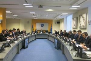 Nga-mbledhja-e-qeverise-se-Kosoves-525x350