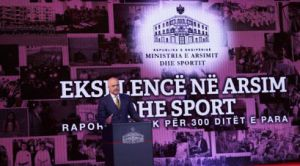 Kryeministri-Edi-Rama-ne-analizen-e-300-diteshit-te-Ministrise-se-Arsimit-dhe-Sportit-Foto-Agim-Dobi-491x350