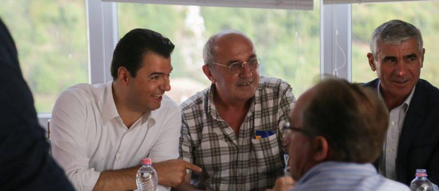 Kërkoi largimin e kreut të PD  Mustafaj  Çfarë më tha Basha sot në telefon