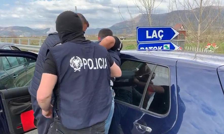 Lezhë  kapet me 3 kg hashash  pranga 31 vjeçarit nga Tirana