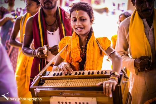 my-spirits-aroma-or:An Odisha girl devotee shows her skills in the name of god.Vinay photography