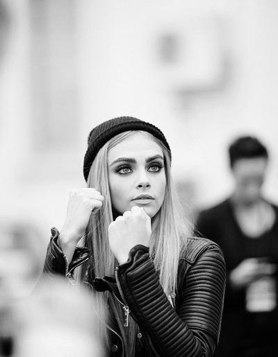 cara_delevingne_eyebrows