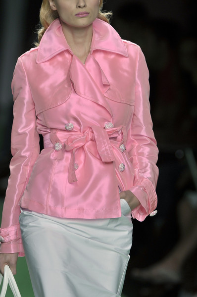 whatchathinkaboutthat:</p><br /> <p>Enrico Coveri Spring 2010 Details <br /><br />