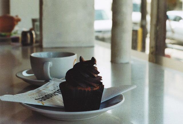 | ♕ | Cubitt Town cafe, London | by © anne mumford | via ysvoice