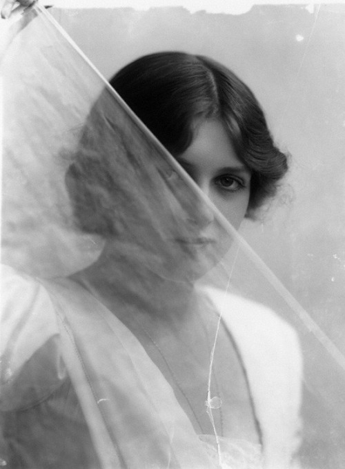 Gladys Cooper by Bassano, 1912