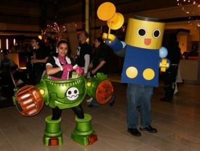 Amazing Tron Bonne-in-Gustaff/Giga Servbot cosplay.