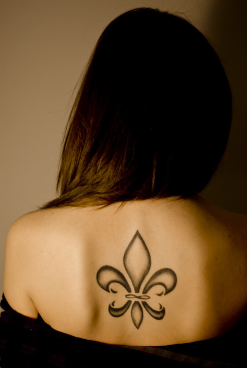 Fleur-de-Lis tattoo on my back done by Paul @ NEXT! Tattoos in Vancouver