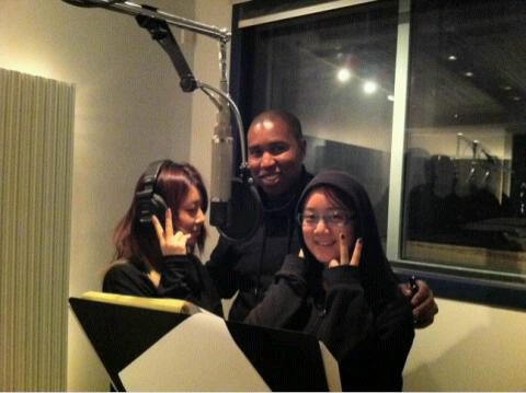 110119 Claude Kelly's Twitter  Me with Yubin and Lim of #Wondergirls! In da booth! Kpizzop!