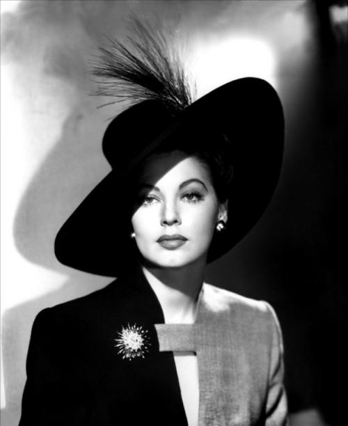 Ava Gardner, 1940s     -viadirrrrtyblonde