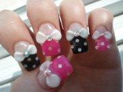 sherbles polka-dot bow nails