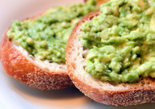 I used to loveeee starting my day with two pieces of crusty bread with mashed avocado spread on top of them. Possibly with some tuna on top as well.<br /> Great source of energy, and it tastes soooo yummy!