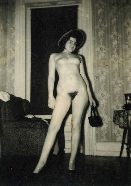 grandma-did:  It's the accessories that make the outfit.  An accessorized vintage nude. She is insanely cute and sexy.