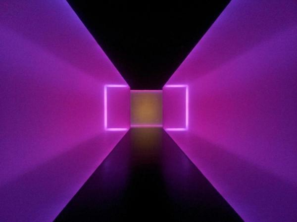 """ Light Tunnel Museum Of Fine Arts . - Chez Flamingeaux"
