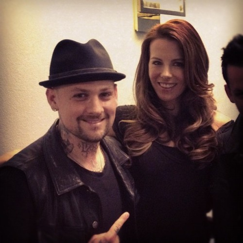 Oh you know just chillin backstage w/Kate Beckinsale shootin the shit, wait where did @joelmadden go….Lol (Taken with Instagram)