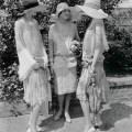 Tessestresses 1920s garden party