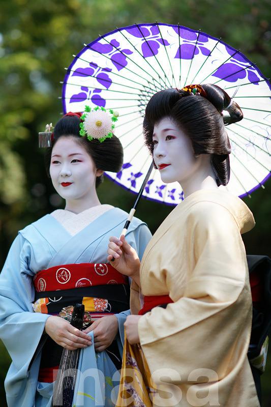 maiko Ayano and geiko Momiyuki
