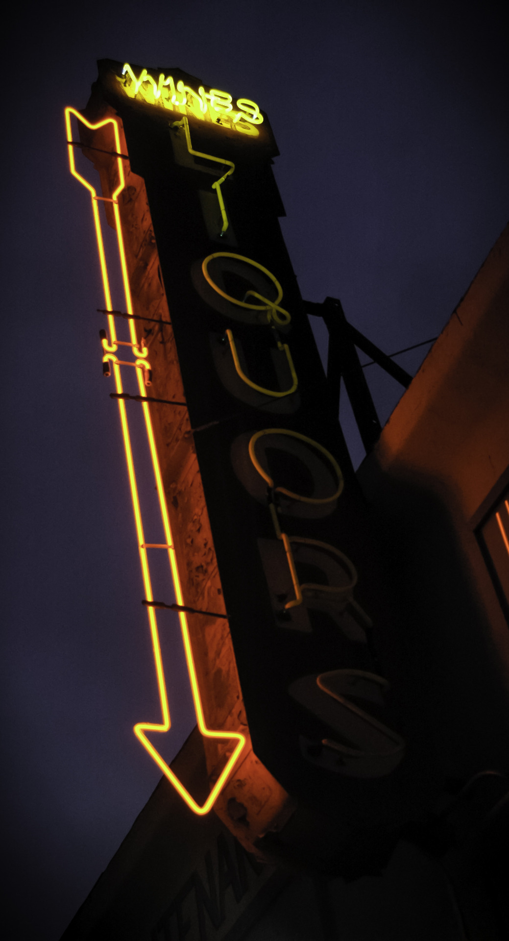 Photo of a liquor store sign in Los Angeles