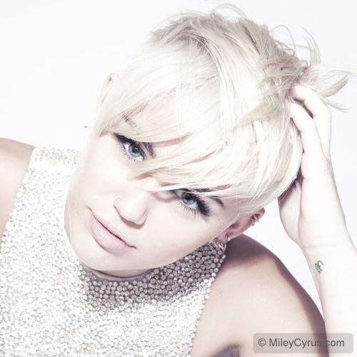 Exclusive Photo Shoot for MileyCyrus.com (Sept 2012)
