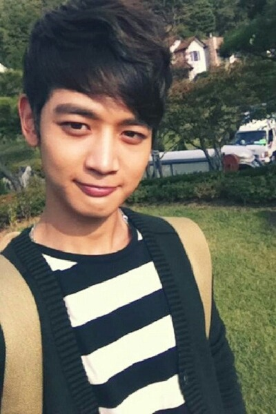 121005 Minho Me2day 길고도 짧은 강태준의 생활이 끝이 났습니다~ '아름다운 그대에게'를 많이 사랑해주셔서 너무 감사 드리고 또 감사합니다. 너무 고생하신 감독님 및 스탭 여러분과 동료배우, 선배님들께 영광을 돌리며~ 앞으로 더 노력하는 최민호 되겠습니다~! 안녕! 강태준^^  Trans : Long yet short Kang Taejun's life has ended~ Everyone give 'For You In Full Blossom' lost of love, really thank you, once again thanks, Glory is to the great efforts of director & all the staffs, actors, seniors~ Will be a more hardworking Choi Minho in the future~! Goodbye! Kang Taejun^^ -Trans by : mrminho1209-