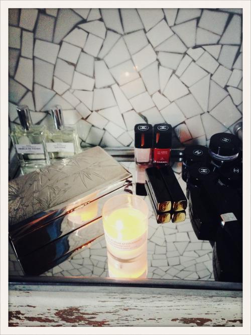 TEASING: petit aperçu de la salle de bain de Vanessa Seward, à découvrir en intégralité mardi 11/12 sur Vogue.fr//TEASER: here's a sneak peek of Vanessa Seward's bathroom, see the whole shoot on Vogue.fr next Tuesday, 12/11