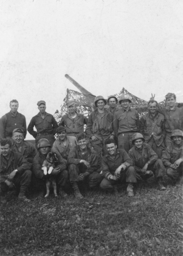 31. 4th Section Battery B and ETO the dog, V-E Day, Tedražice Czechoslovakia