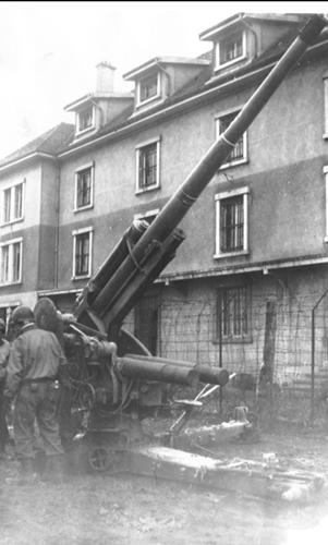 204. The difficulty encountered early on with captured German guns was the lack of sights.