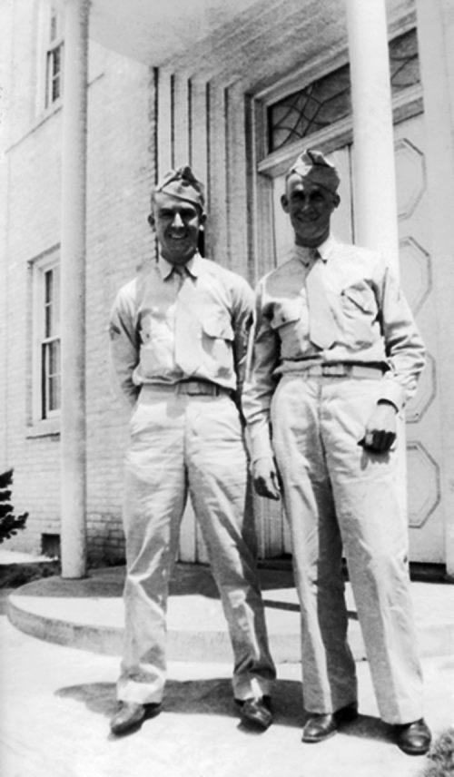 271. Damos in Arms, Tec-5 Damos Rowe and Hubert Rickerd 1943 2a