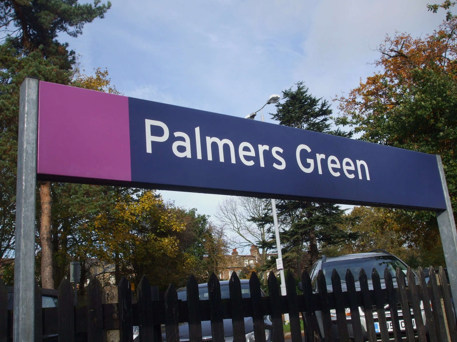 wheelchair emirates folding chair giant taxi transfer from palmers green (n13) to heathrow airport