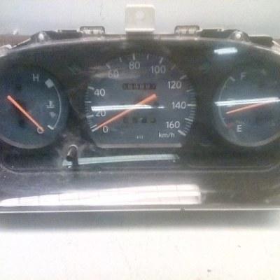 83010-97288 257330-3291 Dashboard Controlepaneel Daihatsu Cuore L701 (2002)