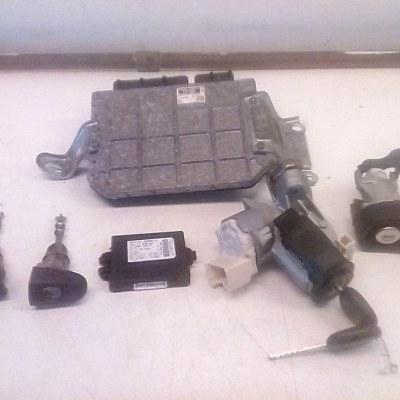 ECU Startset Met Alle Sloten Toyota Yaris 2 1.3 16V (2008)