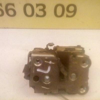 5x06 Deurslotmechanisme Links Renault Twingo 1.2 2 Deurs 2001