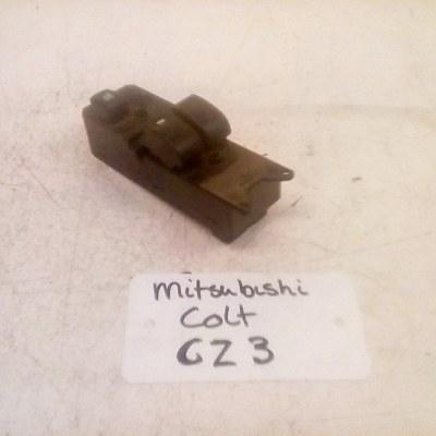 8608A179 C8D-D463M Raamschakelaar Mitsubishi Colt CZ3 (2009)
