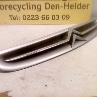 9632099177 Voorgrill Citroen Xsara Picasso 2002 Kleur Zilver Metallic