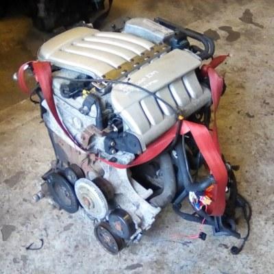 Motor Volkswagen Passat V5 AZX Bouwjaar 2002 239000 KM