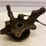 9 156 140 Fusee Wielnaaf Links Voor Opel Corsa C 1.2 16V Met ABS