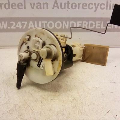 23210-97201 Benzinepomp met Vlotter Daihatsu Cuore L701 2001