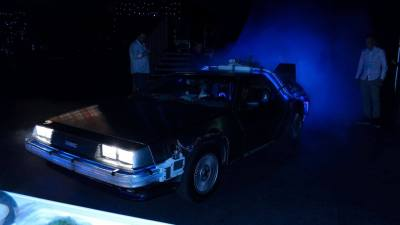 Back to the Future DeLorean onthullingsmoment