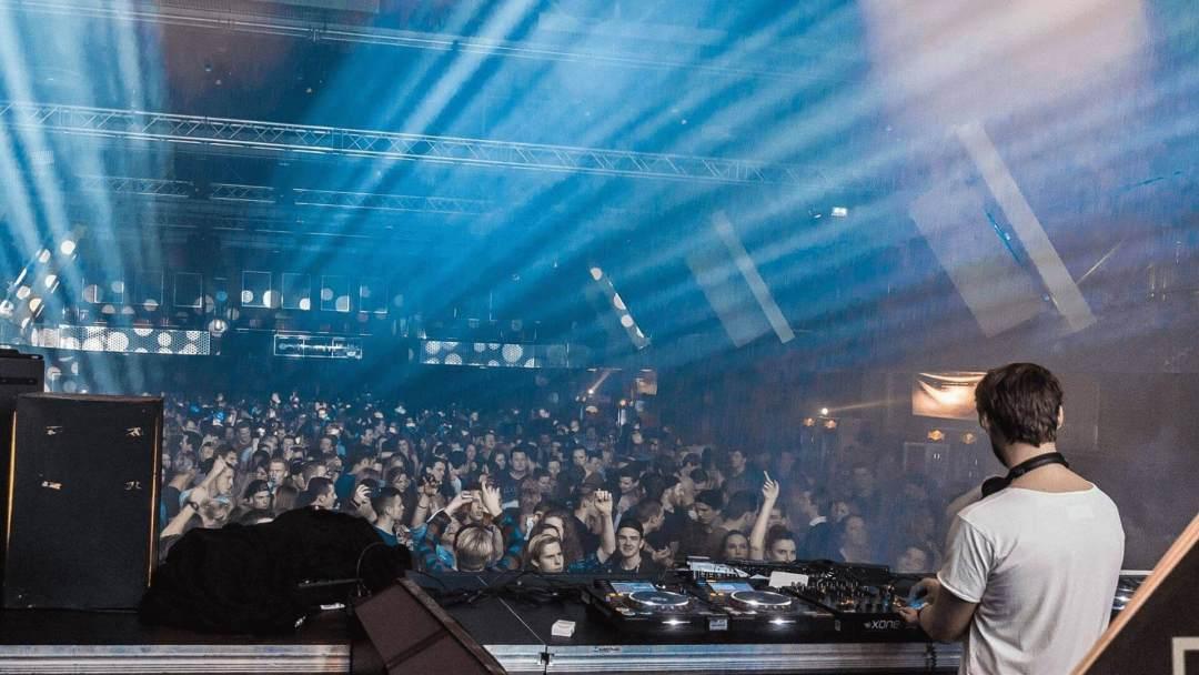 Bedrijfsfeest organiseren - DJ/VJ show