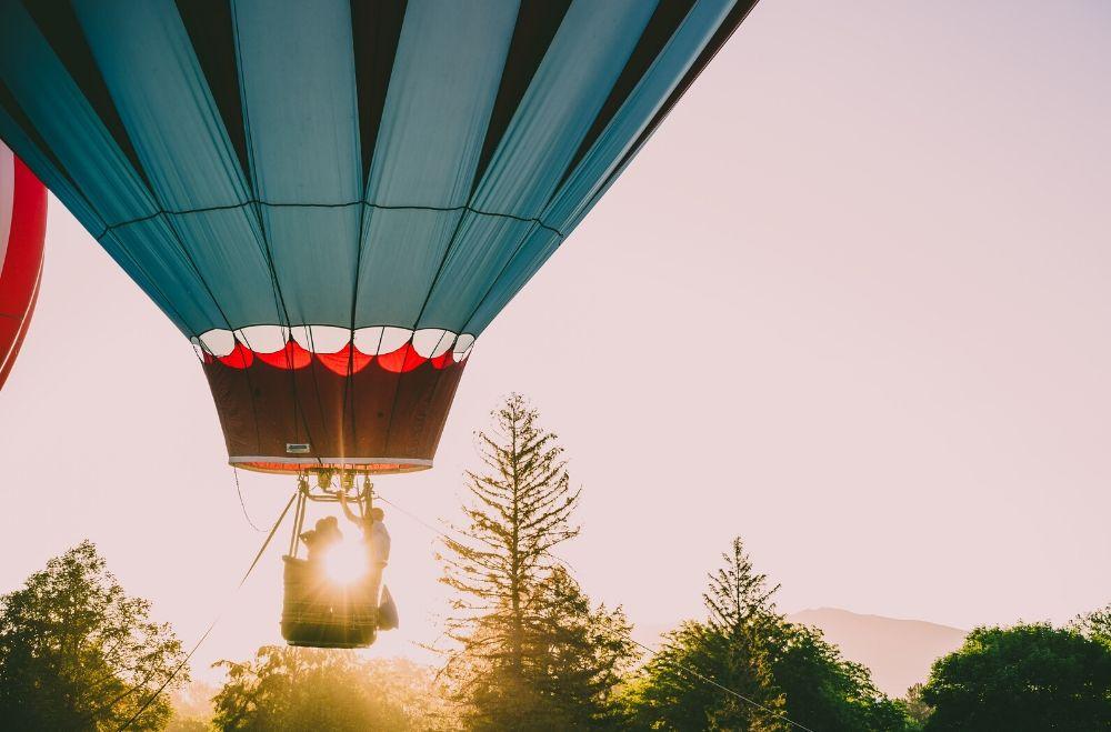 Bedrijfsuitje in Utrecht - Ballonvaart- opstijgen met een luchtballon