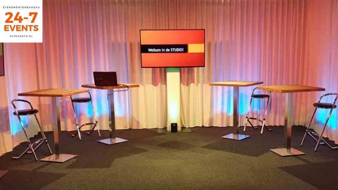 Livestream studio in Utrecht met een statafel opstelling