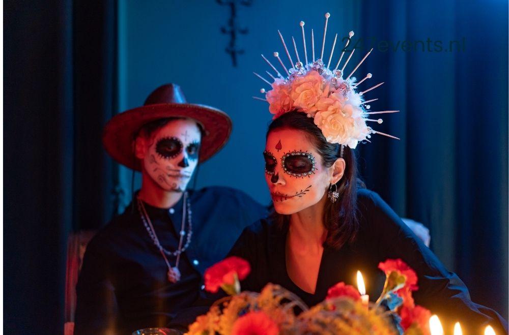 Halloween feest, mensen met beschilderde gezichten