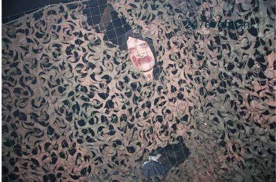 Halloween feest organiseren enge man achter net