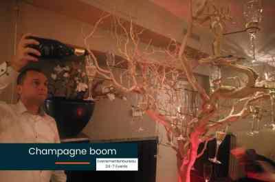 Decoratie voor een Las Vegas bedrijfsfeest thema champagneboom