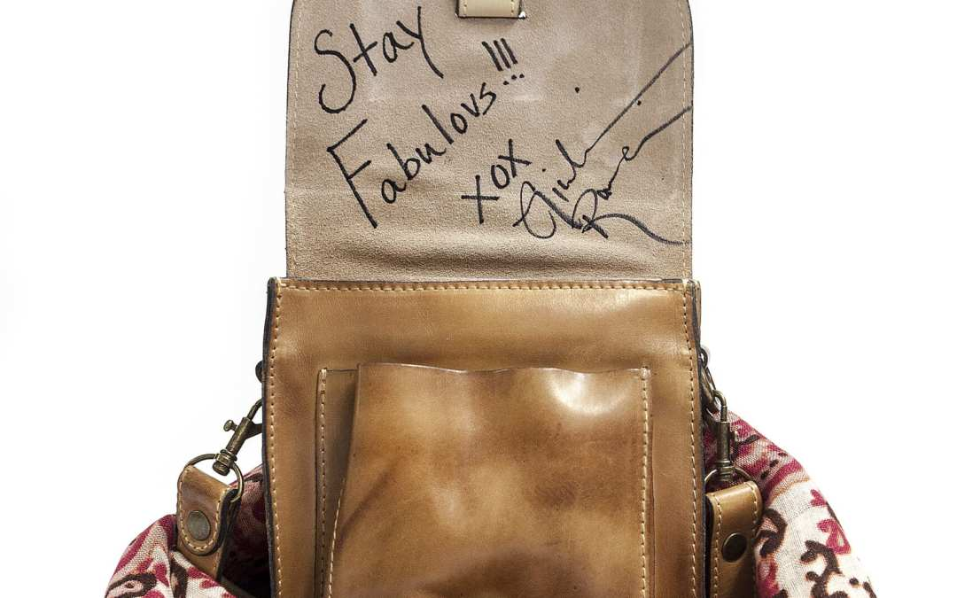 "Bid On a Celebrity ""Signed"" Bag: @PatriciaNashBag @jenniegarth @GiulianaRancic @ElizabethHurley @IAmCattSadler- Bidding Starts at $100"