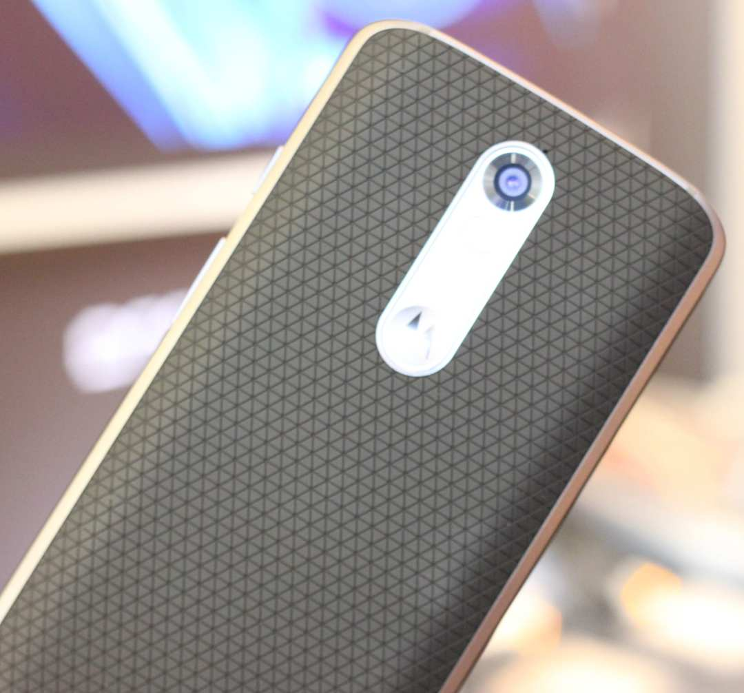 Verizon Tech Gift Ideas Back Droid Turbo 2